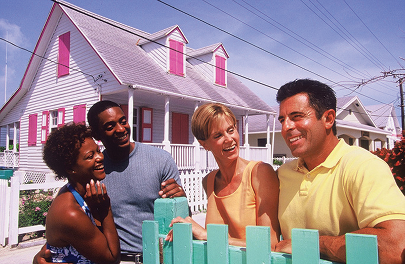 bahamas-people-to-people-couples-with-houses-full