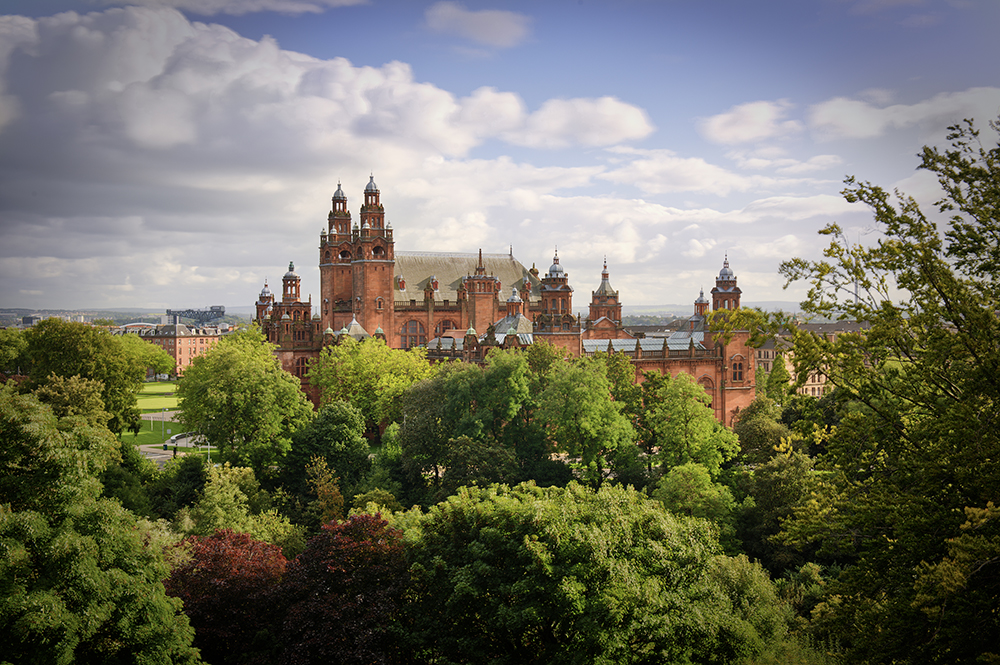 Kelvingrove Museum and Kelvingrove Park in Glasgow