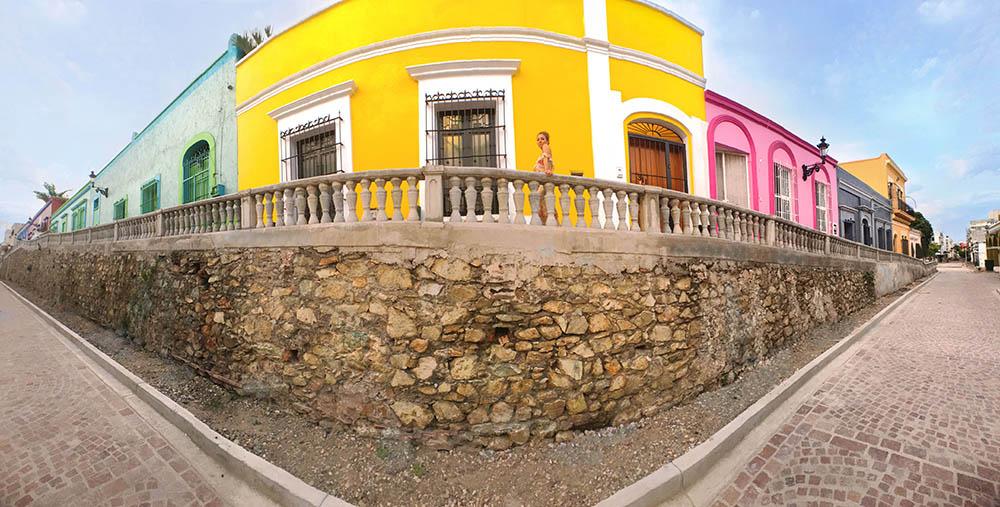 Mazatlán colonial street