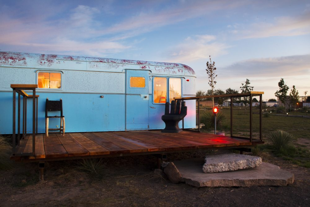 El Comisco Cozy Coach Airstream Trailer