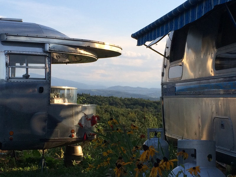 BelRepayre Airstream & Retro Trailer Park France