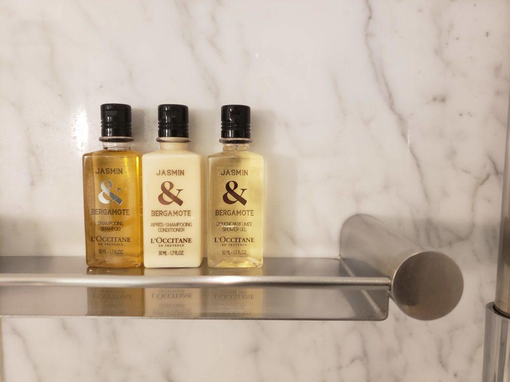 Shangri-La Hotel bathroom amenities