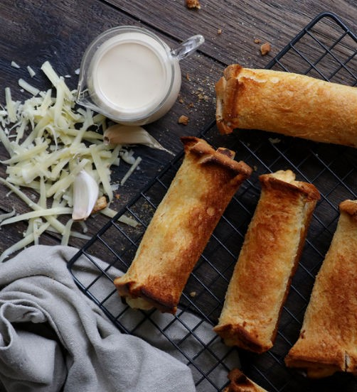 New Zealand Mainland Southland Cheese Rolls
